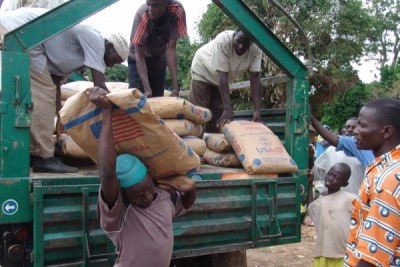 Receiving aid (file photo).