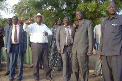 South Sudan Vice President Riek Machar (in white shirt) in Lakes State (file photo).