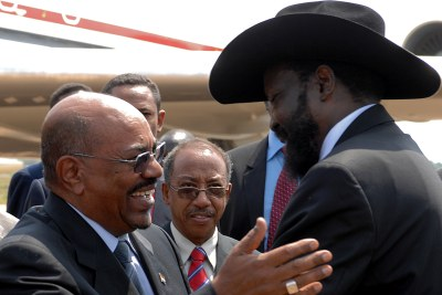 Sudanese president Omar Al-Bashir,left, and South Sudanese president Salva Kiir. (file photo).