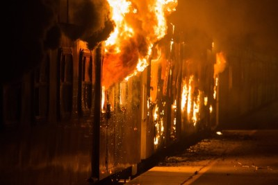 A train on Cape Town station burns...