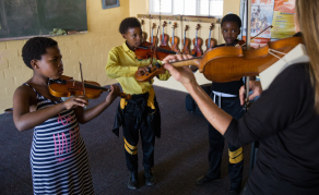 Budding South African Violinsts Enjoy 'African Beats'