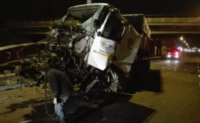 Highway Truck Crash Stops Cape Town Traffic
