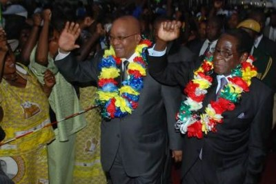 President Jacob Zuma arriving at Harare international Airport.(file photo)