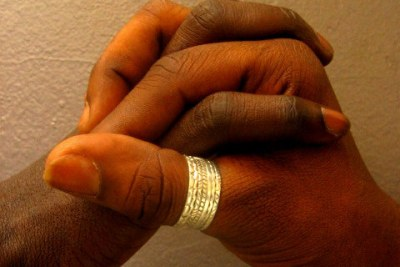 [Senegal] Gays join fight against HIV/AIDS.