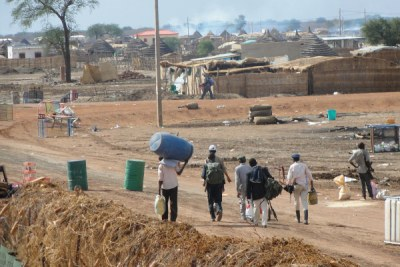Looters in Abyei town.