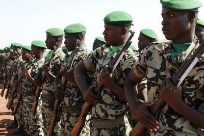 (Photo archives)Soldats lors d'un exercice militaire au Mali