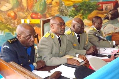 Des juges de la haute cour militaire le 17/07/2012 au CPRK, lors du procès Chebeya en appel.