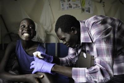 La majorité des neuf millions d'habitants n'ont accès à aucune forme de soins de santé.