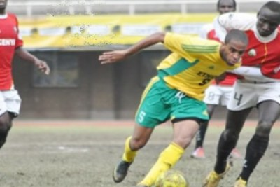 Des footballeurs érythréens (maillot jaune) lors d'un match contre le Kenya, le 30 Novembre 2012.
