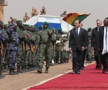 Hollande heros au Mali