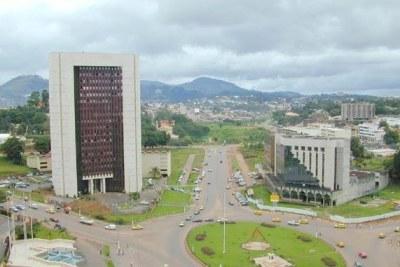 Rondpoint BEAC-avenue 20 mai Yaoundé (Cameroun)