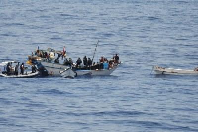 (Image d'archives) - Interpellation de pirate en haute mer