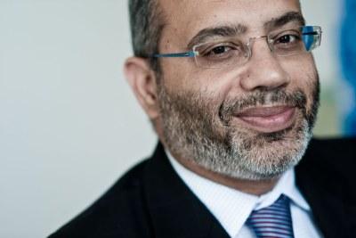 Dr. Carlos Lopes
