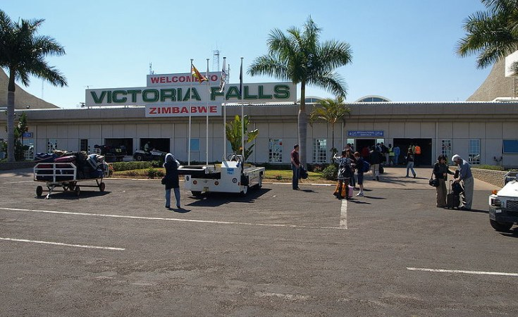 Zimbabwe Young Sex Workers Invade Vic Falls - Allafricacom-9194