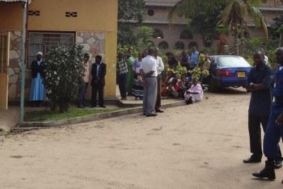 Entrée du petit couvent où ont été tuées les trois religieuses, à Bujumbura.