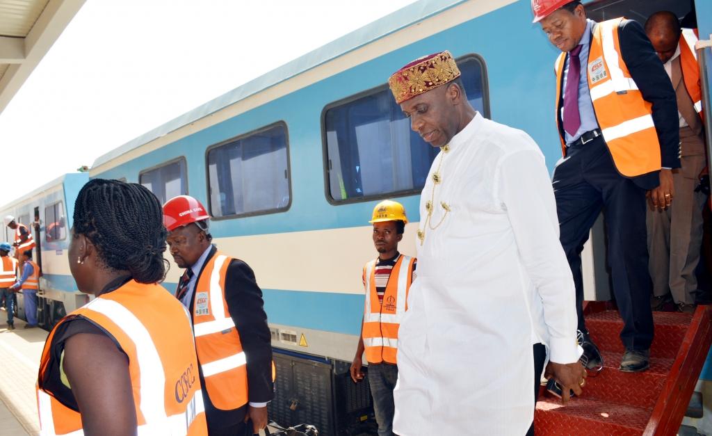 Nigeria: Amaechi Rides On Lagos-Ibadan Standard Gauge for First Time
