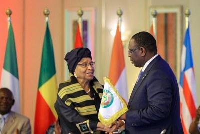 Passation de la Présidence en exercice de la CEDEAO à Ellen Johnson Sirleaf