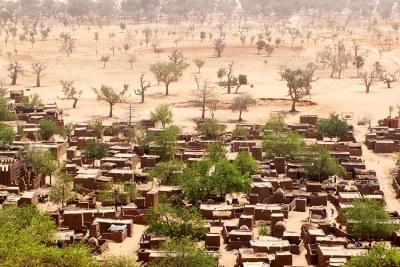 Bandiagara, une ville située sur un plateau central semi-aride du Mali, peuplée principalement par des agriculteurs Dogons.