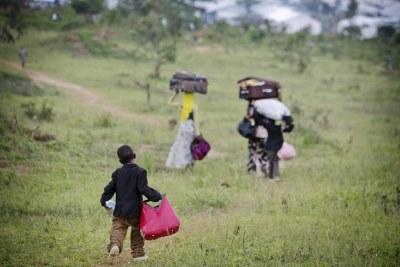 Fleeing Burundians (file photo).