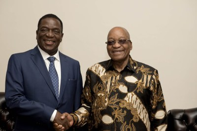 Presidents Emmerson Mnangagwa and President Jacob Zuma (file photo).