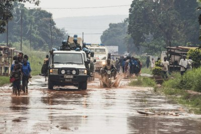 A military and police patrol in Bangui (file photo).