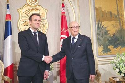 Le président Béji Caïd Essebsi en compagnie du président français Emmanuel Macron.
