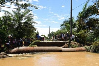 Photo d'Illustration - Une section de la route emportée par les inondations dans le district de Maroanstetra, dans le nord-est de Madagascar, après le débarquement de la tempête tropicale Eliakim sur la nation insulaire