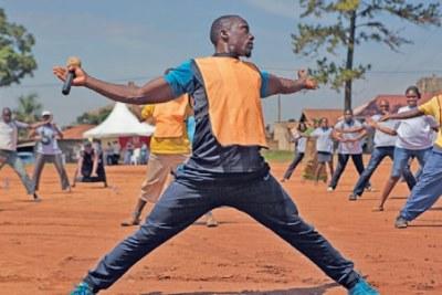 Rester en forme en Ouganda aide à prévenir les maladies non transmissibles, y compris le cancer