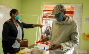 South Africa Hailed for 'Revolutionary' Step in Treating TB