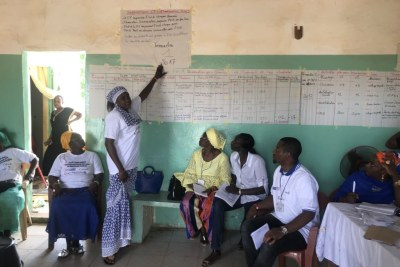 Séance de travail avec le personnel sénégalais de santé ayant bénéficié du projet Strenghtening Health Outcomes for Women ang Children (SHOW), le 7 août 2018