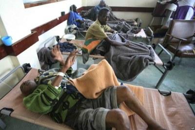 Au moins 36 personnes ont récemment été admises à l'hôpital des maladies infectieuses de la route de Beatrice pour y être soignées.