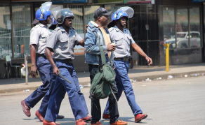 Mayhem As Police, Vendors Clash in Zimbabwe Capital