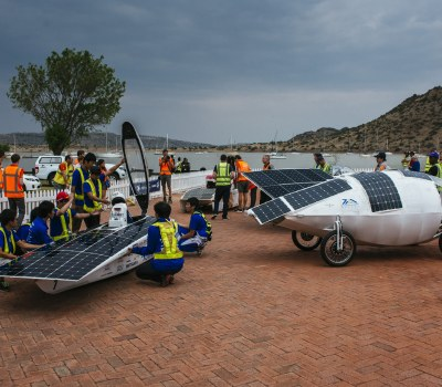Racing the Sun - South Africa, International Teams Take the Sasol Solar Challenge