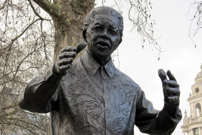 Le statue de Nelson Mandela statue à Westminster, London.