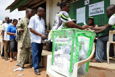 Nigerian voters (file photo)