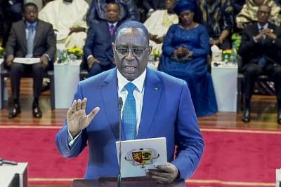 Le président sénégalais, Macky Sall prête serment pour son deuxième mandat.