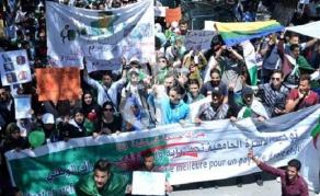 Marche des étudiants algériens en soutien au Hirak
