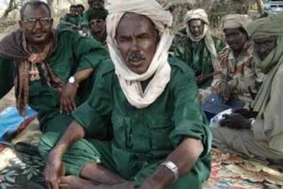 Le général Mahamat Nouri, président de l'UFDD avec quelques responsables de son mouvement.