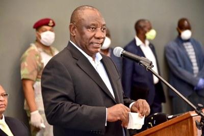 Le Président Cyril Ramaphosa dans un centre de quarantaine en mars 2020.