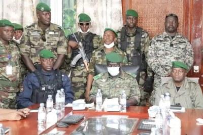 Le GCA Ibrahima BALDÉ a passé le témoin au colonel Balla SAMOURA